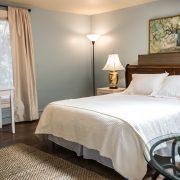 Bedroom in Lawrence suit room